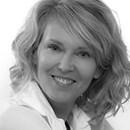 Delia McCabe Headshot