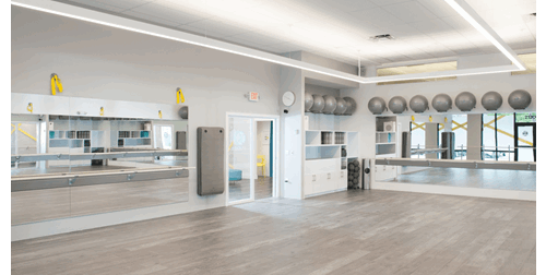 tend Barre in Florida saw Rudy adopt a minimalist approach for the main studio