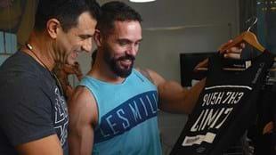 Amir checks out the new Reebok range with fellow BODYPUMP™ presenter Dave Kyle